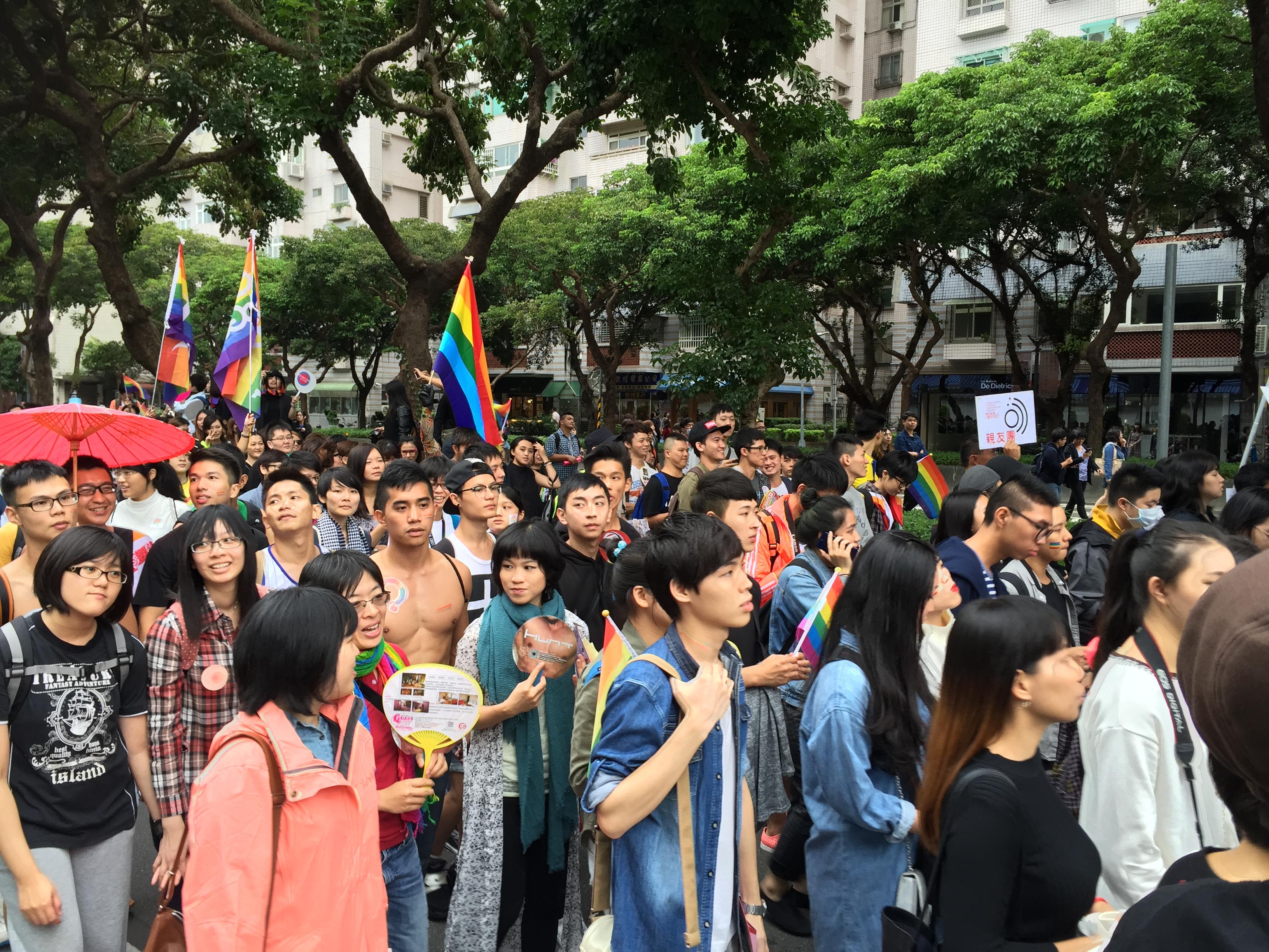 民眾走上街頭,一齊為同志大遊行發聲。 圖/黃婕攝
